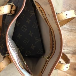 Louis Vuitton Bags - Louis Vuitton Petit Bucket Bag